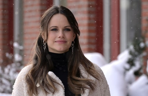 Prinsessan Sofia i snygga silverörhängen.