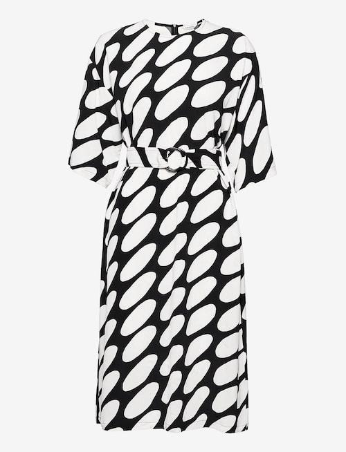 Viskosklänning från Marimekko.