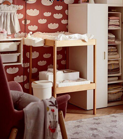 Ikeas skötbord är populära i svenska hem.