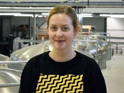 Rebecca brygger bärs i Göteborg.