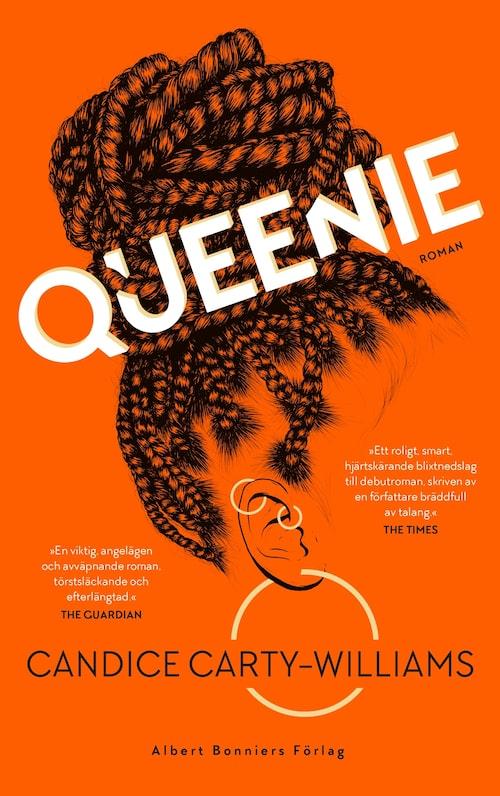 """Queenie, en av årets stora """"snackis-böcker""""."""