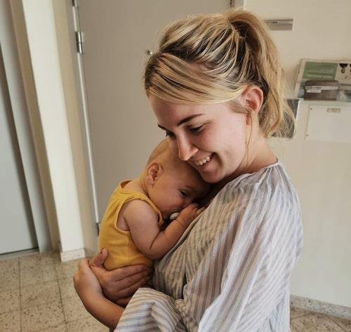 Bebismys! Irena och lilla Ted.