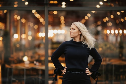 Carina har blivit en av Sveriges mest välkända journalister, både respekterad och folkkär.