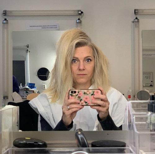 """""""'80-talet är ju modernt nu', sa makeupartisten och gick i väg. Jag tror att hon skojade, men är inte säker."""""""