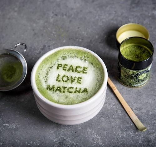 Ren mat, matcha-te och meditation är några av sakerna som ger Renée Voltaire energi.