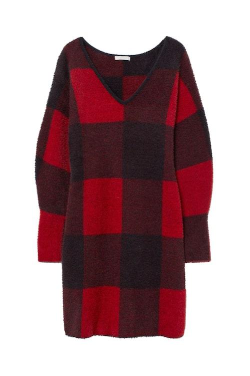 Stickad klänning från H&M. Klicka på bilden och kom direkt till klänningen.