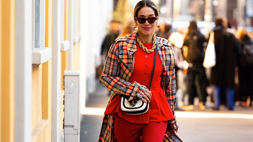 Vad har de olika färgerna för betydelse och hur hittar man en egen stil? Modepsykologen förklarar!