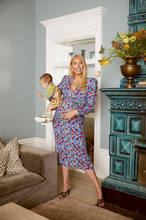 När intervjun görs är Petra Tungården gravid i vecka 36.