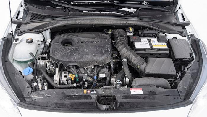 Fyrcylindrig turbo som ger 199 hästar och 296 Nm vid test. Dock törstigast i gänget.