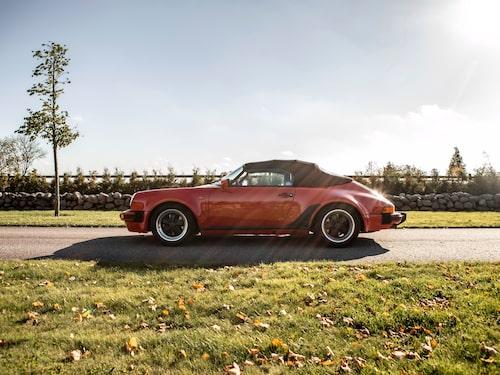 Vi säger stort tack till Bilkompaniet i Tråvad för att vi fick spendera en eftermiddag bakom ratten i denna skönhet.