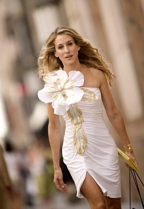 Bara en av Carries många klassiska outfits.
