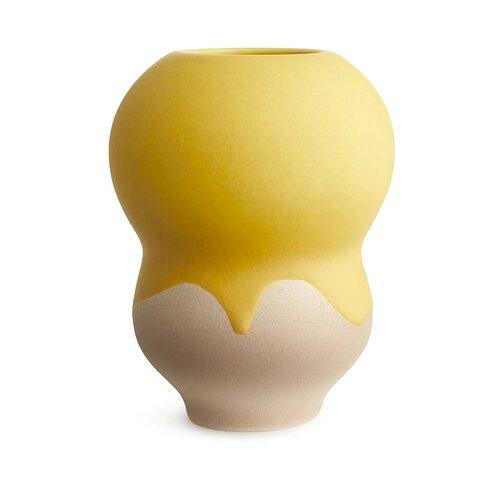 Vas Drip Glaze från Arket. Klicka på bilden för att komma direkt till vasen.