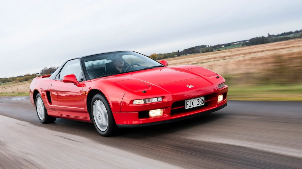 """""""Vår"""" bil blev stående i bilhallen fram till 1993, då kostade den 870 000 kronor."""