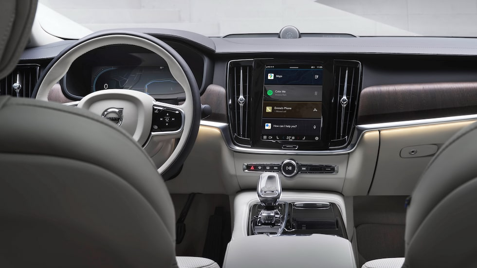 Android Automotive i Volvo S90.