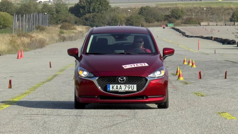 För Mazda 2 blir bromssträckan 41,09 meter, det är sju meter längre än för testets bästa bil.