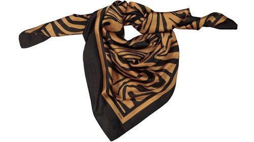 Mönstrad scarf från Wera. Klicka på bilden och kom direkt till scarfen.