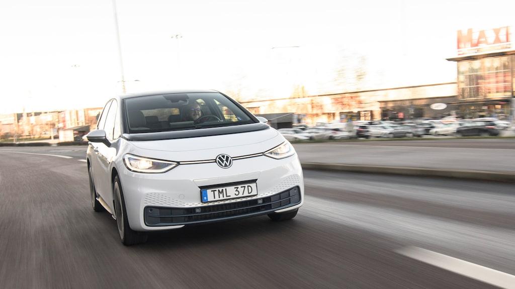 Lär bli en vanlig syn på svenska vägar. Snart kommer billigare versioner av VW ID.3.