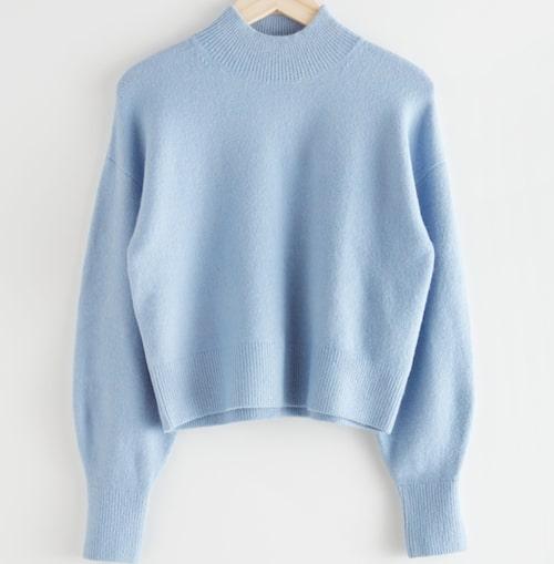 Ljusblå stickad tröja av ull/polyamid/akryl/elastan, & Other Stories. Klicka på bilden och kom direkt till tröjan.