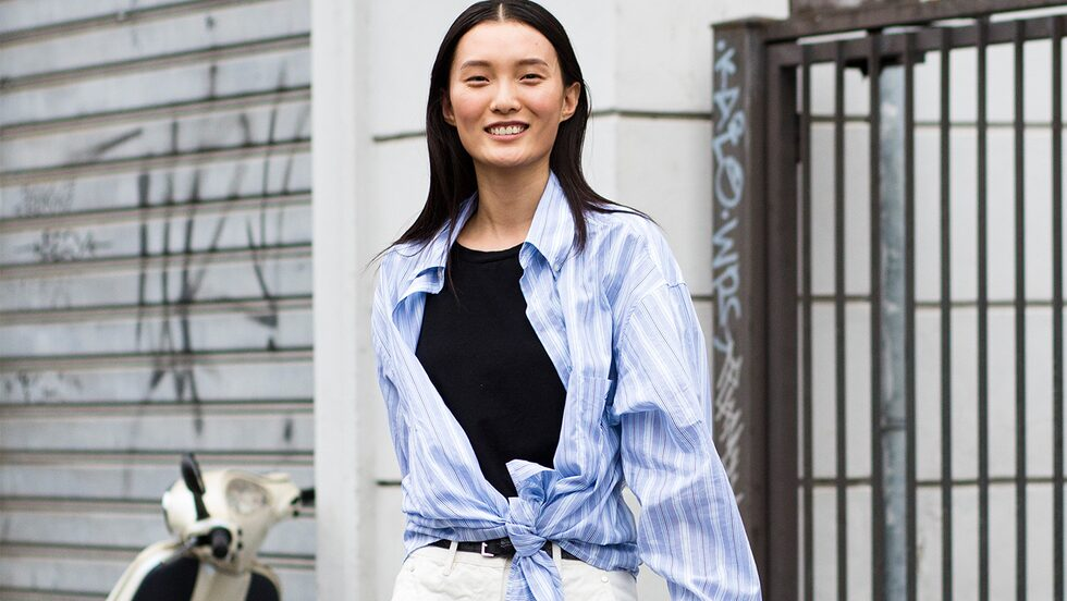 Stylingtips: så bär du skjortan våren och sommaren 2021.