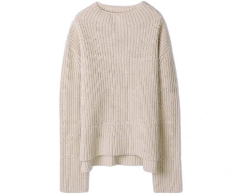 Stickad vit tröja från Filippa K. Klicka på bilden och kom direkt till tröjan.
