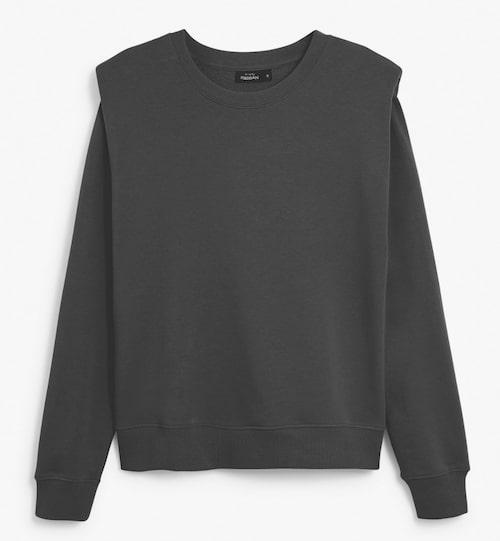 Sweatshirt från Kappahl med axelvaddar.