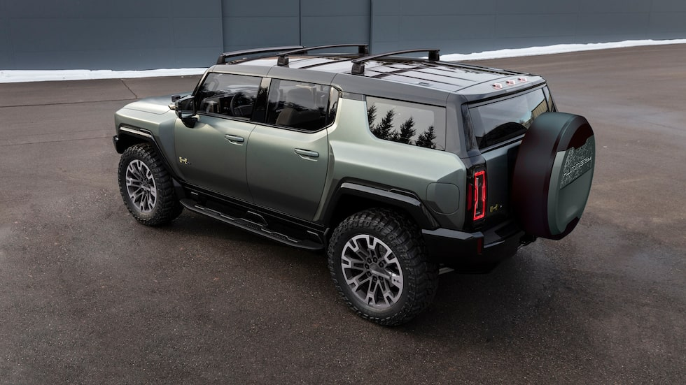 1 000 hästkrafter från tre elmotorer i nya GMC Hummer EV.