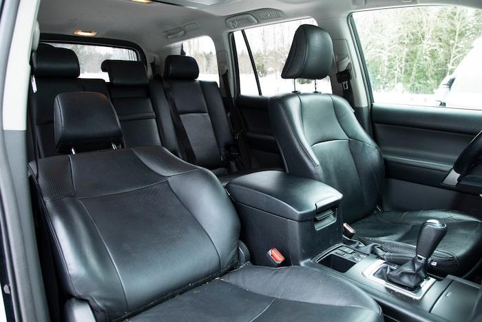Förarstolen sitter faktiskt några centimeter lägre i bilen från 2010.