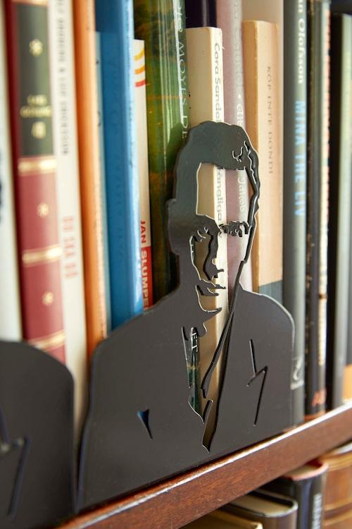 Björn har skrivit en roman om Stig Dagerman, och bokstöden föreställande författaren fick han av Stig Dagerman-sällskapet på en bokmässa i Göteborg