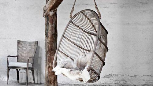Tjusig och exklusiv hängstol som blir en fin inredningsdetalj.
