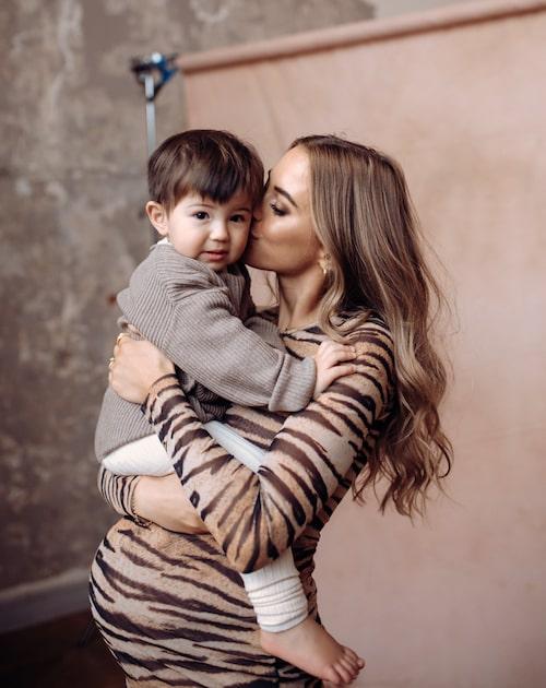 Coronapandemin har gjort att maken Aleks inte kunnat vara med på ultraljud och undersökningar under den här graviditeten.
