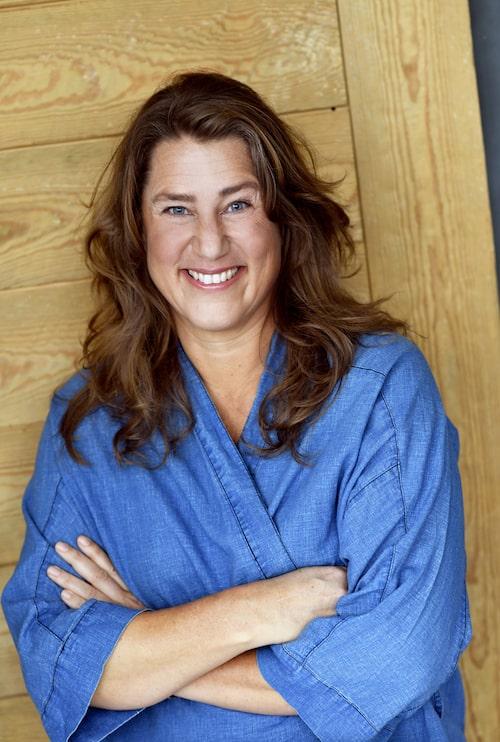 Katrin Sandberg har skrivit boken Förundranseffekten tillsammans med sin författarkollega Sara Hammarkrantz.