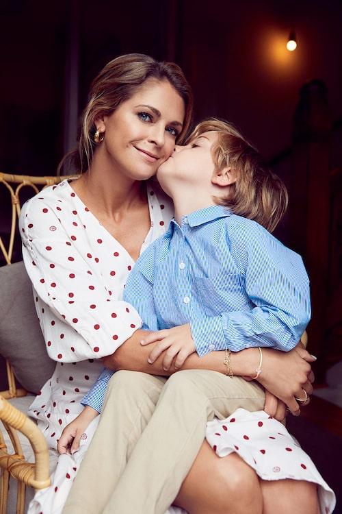 """""""Ich möchte so lange wie möglich und so viel wie möglich mit den Kindern zu Hause sein"""" – Prinzessin Madeleine von Schweden."""