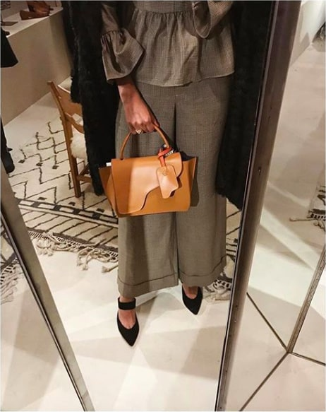 Babba med en av sina Atp Atelier-väskor.