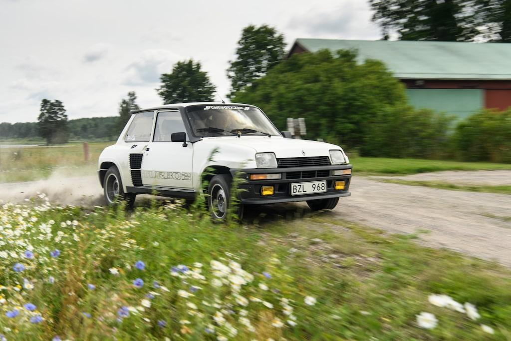 Det släpper om bakhjulen när turbon vaknar till liv, utmanande men väldigt roligt!