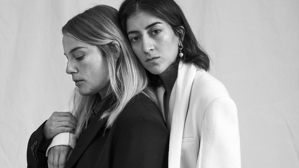 Ida Engvoll och Gizem Kling Erdogan är aktuella i Netflix nya originalserie Kärlek och anarki, som har premiär den 4 november.