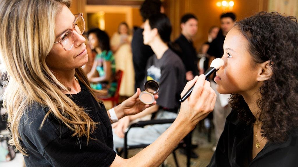 Svenska makeup-artisten Gucci Westman har sminkat bl.a. Jennifer Aniston under 25 års tid.