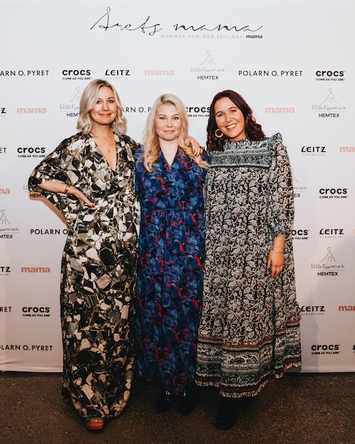 """mamas bloggare Vanja Wikström i sällskap med två av de nominerade till Årets inspiratörsmama – Elin Näslund från """"Ensam mamma söker"""" och kroppspositivisten Fia Anderberg."""