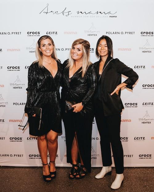 Influencer-tvillingarna Angelica Lagergren och Jessica Lagergren kom tillsammans med stylisten Annika Norman.