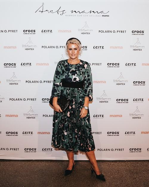 Mode- och inredningsprofilen Frida Fahrman är van Årets mama-minglare.