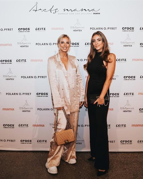 """Årets mama-premiär för influencern Lovisa """"Lojsan"""" Wallin som kom med kollegan Michaela Delér."""