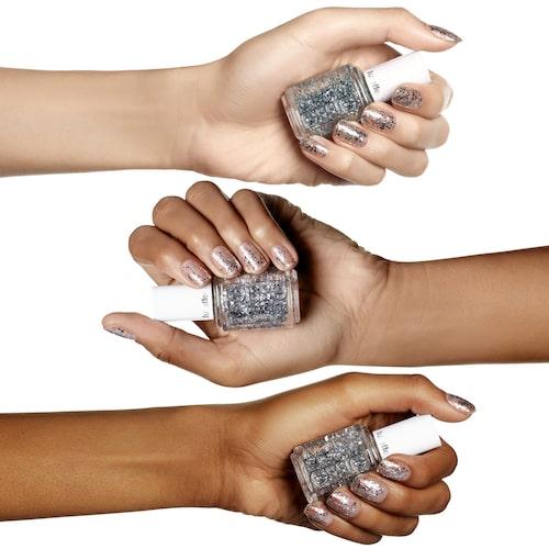 Antingen lackar du alla naglar eller så väljer du att lacka endast en, så blir det en fin detalj.