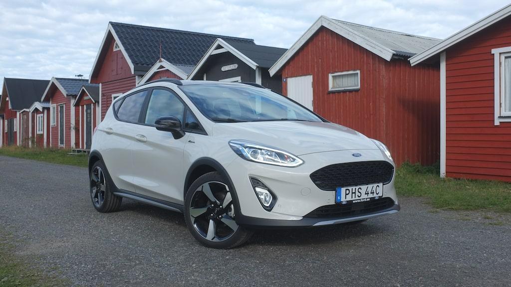 Ford Fiesta finns numera som mildhybrid för att sänka förbrukning och utsläpp. Vi kör den i Active-utförande.