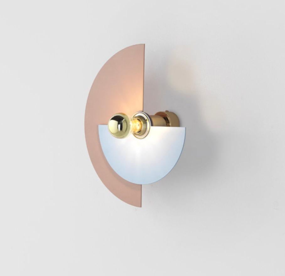 """Vägglampor med """"solfjädrar"""" i färg som går att vrida, ø 42 cm, Aromas Posh living."""