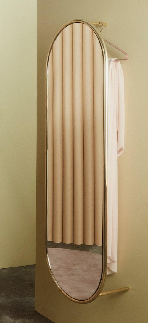 Spegel Angui wardrobe med förvaring bakom, från Aytm By Binett.