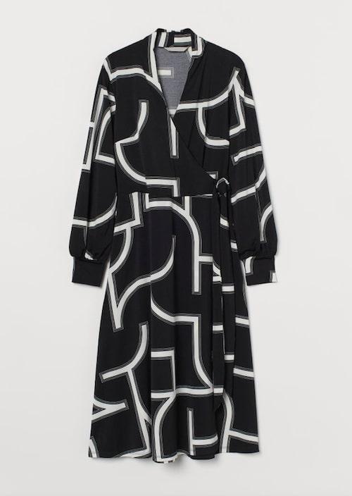 Omlottklänning från H&M.