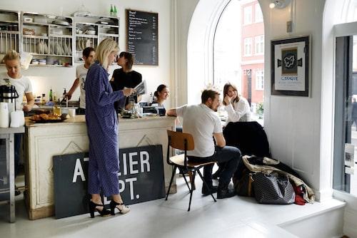 """""""Börja dagen med frukost på på Atelier September."""""""