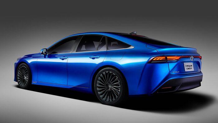 ... nya Mirai delar nämligen teknik med lyxbilen Lexus LS.