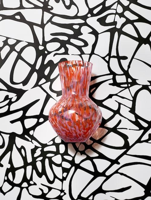 Vas från Diane von Furstenberg x H&M Home.