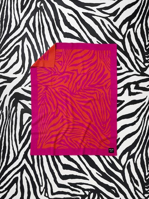 Handduk från Diane von Furstenberg x H&M Home.