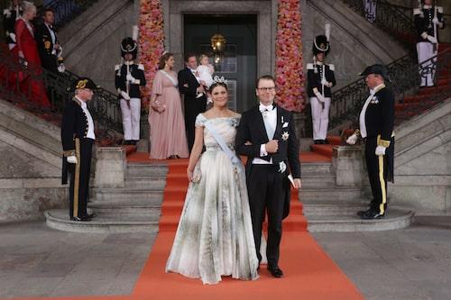 Kronprinsessan Victoria och prins Daniel efter vigseln mellan prins Carl Philip och Sofia Hellqvist.